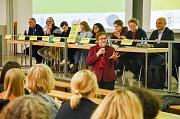Stadträtin Kirsten Dinnebier eröffnete die Veranstaltung, auch die Vizepräsidentin der Philipps-Universität für Studium und Lehre, Prof. Dr. Evelyn Korn sprach Begrüßungsworte.