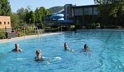 Eröffnung bei 21 Grad Wassertemperatur: Die ersten Badegäste der Saison sind im Freibad des AquaMar ihre ersten Bahnen geschwommen.