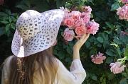 Gäste mit schönen Hüten sind besonders willkommen, die originellsten Kopfbedeckungen werden prämiert.