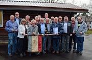 Stadtverordnetenvorsteherin Marianne Wölk (3. von links) verlieh 25 Marburg-Plaketten für besondere Erfolge und außergewöhnliches Engagement im Tiersport
