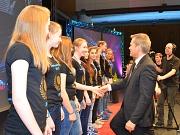 Die Biedenkopf-Wetter-Volleys wurden für den Gewinn der Hessenmeisterschaft 2015 mit der Bronzemedaille belohnt. Oberbürgermeister Dr. Thomas Spies gratulierte den Siegerinnen.