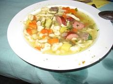 Gemüseeintopf mit Rindfleisch im Teller©Bernd Weimer