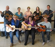 Gitarrengruppe: Die Lagerfeuergitarren©Hubert Detriche