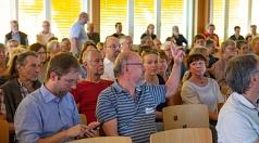 Große Resonanz: Rund 200 Marburgerinnen und Marburger kamen auf Einladung der Stadt, um sich im Rahmen der Bürger/innenbeteiligung über die Vorschläge zum Grüner Wehr zu informieren, auszutauschen sowie ihre Meinungen und Ideen einzubringen.