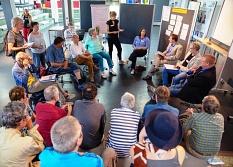 In drei Arbeitsgruppen vertieften die Bürgerinnen und Bürger zusammen mit Fachleuten und Vertretern von Verbänden und Institutionen die Fragen Denkmalschutz, Natur- und Gewässerschutz/Tourismus sowie Naherholung. Ein Auftrag an die Stadt, der daraus hervo©Universitätsstadt Marburg
