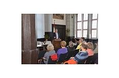 Oberbürgermeister Egon Vaupel dankte den Vertreterinnen und Vertretern von Vereinen für ihr freiwilliges Engagement in der Stadt.©Tina Eppler, Universitätsstadt Marburg