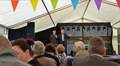 Oberbürgermeister Dr. Thomas Spies (r.) hat das achte Hafenfest gemeinsam mit Veranstalter Adi Ahlendorf (l.) eröffnet.