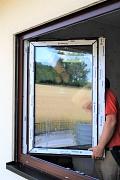 Neue Fenster mit moderner Wärmeschutzverglasung minimieren hohe Wärmeverluste.