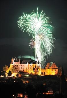 Höhenfeuerwerk zum Stadtfest über dem Landgrafenschloss©Georg Kronenberg