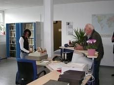 In der neu eingerichteten zentralen Urkundenstelle des Standesamtes in der Frauenbergstraße 35 sind jetzt die personenstandsrechtlichen Urkunden an einem Arbeitsplatz zu erhalten©Universitätsstadt Marburg - Rainer Kieselbach