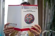 Auf 121 Seiten bietet die neu aufgelegte Broschüre eine übersichtliche Sammlung wichtiger Informationen über Dienstleistungen und weitere Angebote in der Stadt.