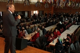Oberbürgermeister Dr. Thomas Spies begrüßte Menschen zum zweiten Internationalen Neujahrsfest im Bürgerhaus in Cappel.©Stadt Marburg, i. A. Heiko Krause