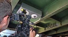 """Unter großem Medieninteresse ist """"LiSA"""" offiziell gestartet: Bürgermeister Wieland Stötzel stellte die Anlage für eine """"Livebild- und Sprechverbindung auf Abruf"""" im Jägertunnel vor."""
