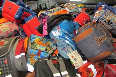 Jede Menge Ranzen, Rucksäcke und Taschen kamen bei den Sammelaktionen der vergangenen Jahre zusammen.©Universitätsstadt Marburg