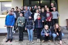 Die Teilnehmer*innen von Join the Band 2017 auf einem Gruppenfoto, in 3 Reihen sieht man etwa 20 Personen.©Universitätsstadt Marburg