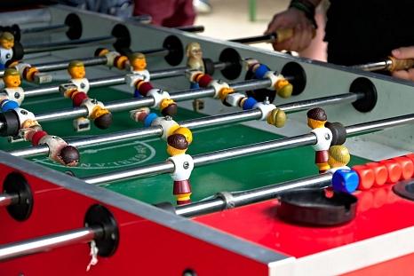 Auch Kickerspielen im Jugendclub ist wieder möglich.©Universitätsstadt Marburg, FD Jugendförderung