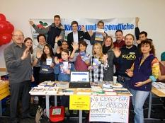 Gruppenfoto mit Teilnehmerinnen und Teilnehmern eines Workshops mit Jugendlichen und Teamern.©Universitätsstadt Marburg