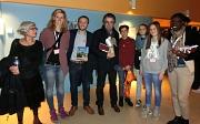 Die Jugendbildungsreferentin Janine Hölzel (2.v.L.)  und weitere Teilnehmer*innen werden von der französischen Delegation empfangen.