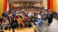 Sven Plöger spricht vor 700 Menschen im TTZ über Klimawandel - Chance zum Aufbruch.
