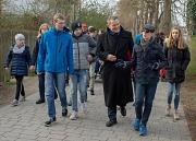 Die Aktion '3000 Schritte mit dem OB' gehört zu den Aktionen rund um Bewegungsförderung und Gesundheitsaufklärung der Universitätsstadt Marburg. Auf die Reihe von Projekten und Netzwerken soll im Projekt 'KOMBINE' aufgebaut werden, sodass etwa alle Aktive
