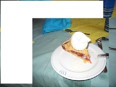 Kuchen mit Eis©Bernd Weimer
