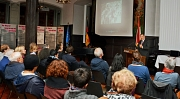 Oberbürgermeister Dr. Thomas Spies eröffnete den Kulturabend der Sinti und Roma im Marburger Rathaus.