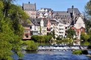 Lahn mit Altstadt-Hintergrund