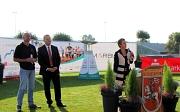 Landrätin Kirsten Fründt und Oberbürgermeister Dr. Thomas Spies sowie der zweite Vorsitzende von Special Olymics Hessen, Armin Weinöhl, begrüßten die Teilnehmerinnen und Teilnehmer sowie die Besucher der Veranstaltung im Georg-Gaßmann-Stadion (v.r.n.l.).
