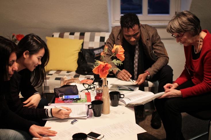 Jede/r Lernende hat einen individuellen Hintergrund und unterschiedliche Lernbedürfnisse. In der Marburger Lernwerkstatt werden Tipps zum selbstorganisierten Lernen vermittelt.©Johannes Zender/HVV