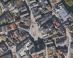 Luftaufnahme eines Ausschnittes vom Marktplatz Marburg©aerowest GmbH