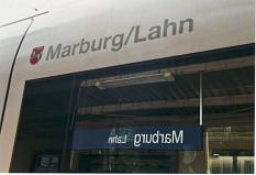 """Marburg Lahn, so benannt ist sowohl der am 5.6.2003 getaufte ICE als auch die Bahnstation """"Hauptbahnhof""""©Rainer Kieselbach"""