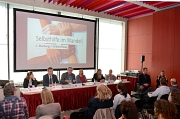Oberbürgermeister Dr. Thomas Spies (zweiter von inks) saß mit auf dem Podium bei einer Diskussion anlässlich des ersten Marburger Selbsthilfetags