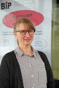 Martina Heinzer ist Ansprechpartnerin für die östlichen Außenstadtteile – Bauerbach, Ginseldorf, Moischt und Schröck.©Simone Batz, Stadt Marburg