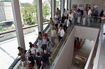 An der Führung zu den Lebenszeichen von Erwin Piscator im Haus der Stadtgesellschaft nahmen gut 150 Menschen teil.