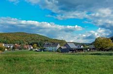 Willkommen in Dilschhausen – der kleinste Stadtteil Marburgs ist ein wahres Naturidyll.©Nadja Schwarzwäller i.A.d. Stadt Marburg