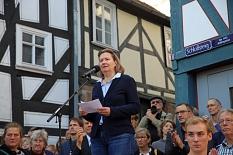 Monika Bunk von der Jüdischen Gemeinde Marburg dankten allen für die Solidaritätsbekundungen.©Simone Schwalm, Stadt Marburg