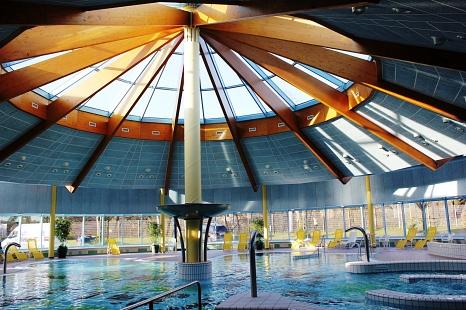 Neben Kinderplanschbecken und Rutsche kann ab Freitag auch wieder das Aktionsbecken im AquaMar genutzt werden.©Universitätsstadt Marburg