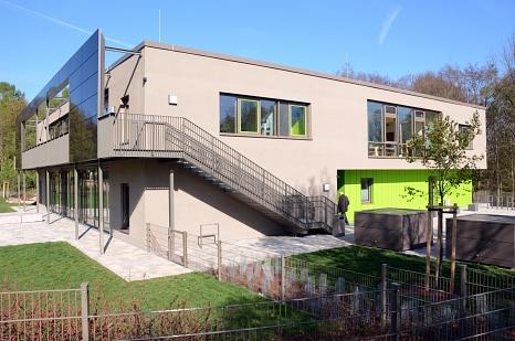 Der großen Nachfrage nach Krippen, KiTa- und Hortplätzen am Richtsberg wird die Stadt mit dem Neubau am Karlsbader Weg gerecht.©Nadja Schwarzwäller, i. A. d. Stadt Marburg