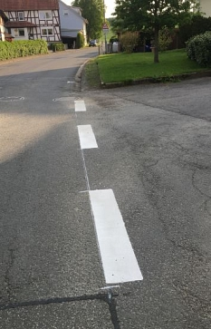 neue Fahrbahnmarkierungen 2©Hubert Detriche