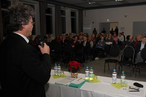 Bürgermeister Dr. Franz Kahle begrüßte die gut 70 Interessierten.©Heiko Krause Universitätsstadt Marburg