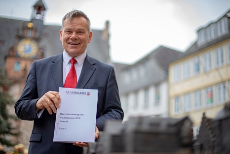 OB Thomas Spies stellt den Haushaltsentwurf 2019 vor©Stadt Marburg, Patricia Grähling