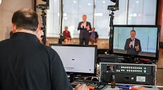 Oberbürgermeister Dr. Thomas Spies begrüßt die Zuschauer*innen zum zweiten Marburger Verkehrsdialog – der ersten Veranstaltung der Stadt Marburg im Live-Stream