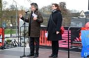 Stadträtin Dr. Kerstin Weinbach und Bürgermeister Dr. Franz Kahle beteiligten sich am Aktionstag auf dem Elisabeth-Blochmann-Platz.