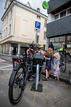 Parkplätze für Lastenfahrräder hat die Stadt Marburg zunächst an drei Standorten in der Stadt eingerichtet©Patricia Grähling, Stadt Marburg