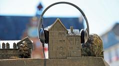 """Podcast: Für Marburg gibt's nun regelmäßig was auf die Ohren: Die Universitätsstadt startet am 27. Juli ihren offiziellen Podcast """"Hör mal Marburg""""."""
