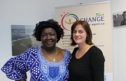 Rakieta Poyga, Koordinatorin (links im Bild) und Irma Bergknecht von Terre des femmes (rechts im Bild)