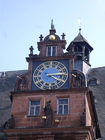 Rathausuhr mit Gockel©Universitätsstadt Marburg - Kerstin Hühnlein