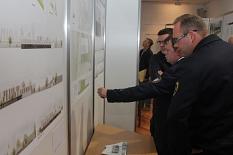 Zur Ausstellungseröffnung waren viele Mitglieder der Feuerwehren gekommen.©Heiko Krause, Stadt Marburg