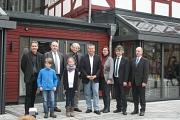 1.Sie freuten sich über die Einweihung der sanierten Fronhof-Remisen: Oberbürgermeister Dr. Thomas Spies (4. von links), Bürgermeister Dr. Franz Kahle (2. von links), Stadträtin Dr. Kerstin Weinbach (3. von links) sowie (von links) Schulleiter  Udo Damts