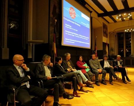 Podiumsdiskussion bei der Veranstaltung zur Fertigstellung des Energiekonzepts Richtsberg©Universitätsstadt Marburg
